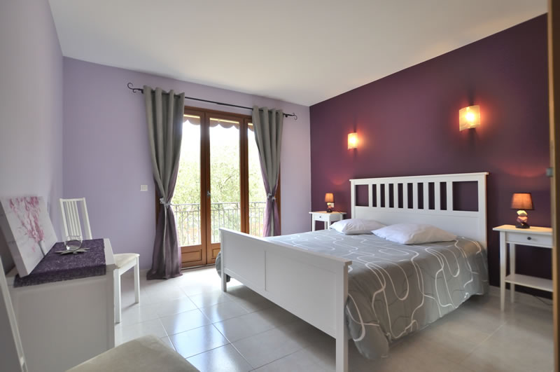 chambre en location saisonni re ou chambre d 39 h te menton c te d 39 azur. Black Bedroom Furniture Sets. Home Design Ideas